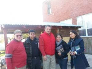 Investigadores, con el cónsul Leyva
