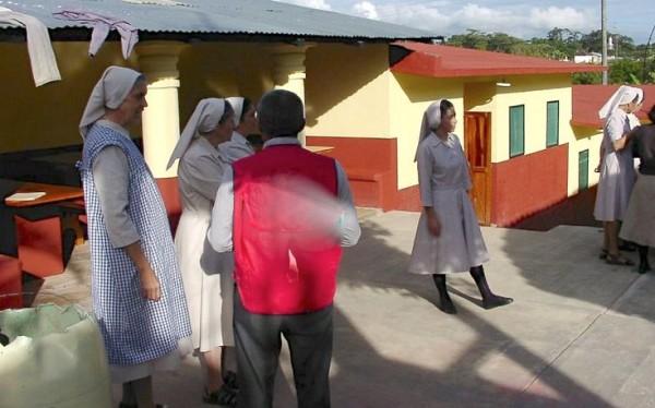 Religiosas del Hospital San Carlos fueron agredidas por integrantes de la Cioac. Foto: Cortesía