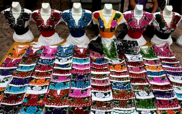 Los colores en la plaza central de Tuxtla Gutiérrez. Foto: Isaín Mandujano/Chiapas PARALELO