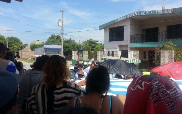 Manifestación contra la CFE en Mazatán. Foto: Benjamín Alfaro