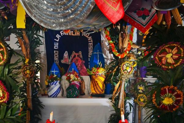 Las Virgenes de Copoya no pueden ser fotografiadas sin estar envueltas. Foto: Mag Servan/ Chiapas PARALELO.