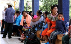 La población atendida es de origen indígena. Foto: Cortesía Hospital San Carlos