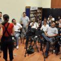 Previo a la conferencia de prensa, los integrantes de impro splash hicieron una presentación de su trabajo a las y los comunicadores. Foto: Cortesía.
