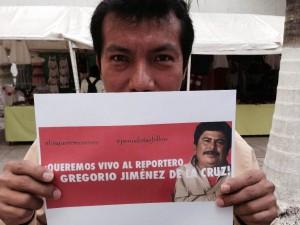 Vivo se lo llevaron, vivo lo queremos y Ni uno más, fue la consigna que hicieron suya los periodistas de Chiapas. Foto: Chiapas PARALELO