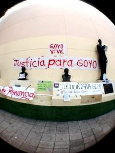Periodistas de Chiapas que protestaron en el Parque de La Libertad, junto al monumento del Dr. Belisario Domínguez, el miércoles 12. Foto: Isaín Mandujano/Chiapas PARALELO