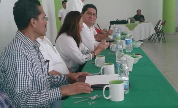 En la imagen, el alcalde de Berriozabal,  Aldert Zepeda Valencia, cuestionado por su mala administración.