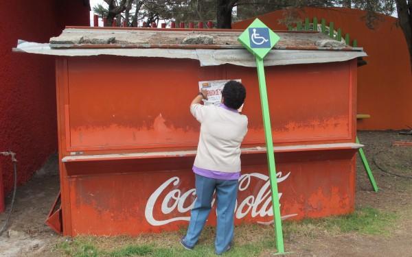 Desalojo de vendedoras ambulantes por parte del ayuntamiento coleto. Foto: Emiliano Hernández