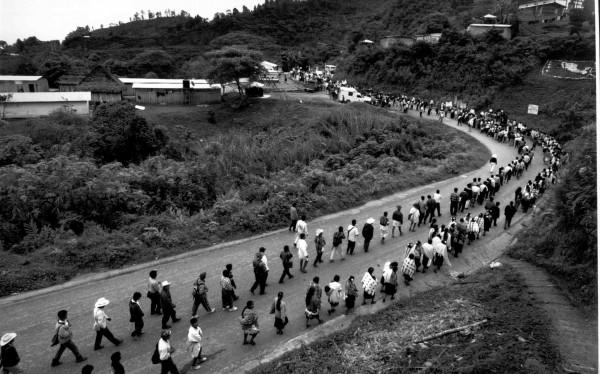 Frayba realiza continua labor de acompañamiento a pueblos desplazados. Foto: Archivo Frayba
