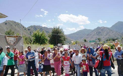 Indígenas y mestizos buscan hacer frente a proyectos extractivos. Foto: Radio Expresión