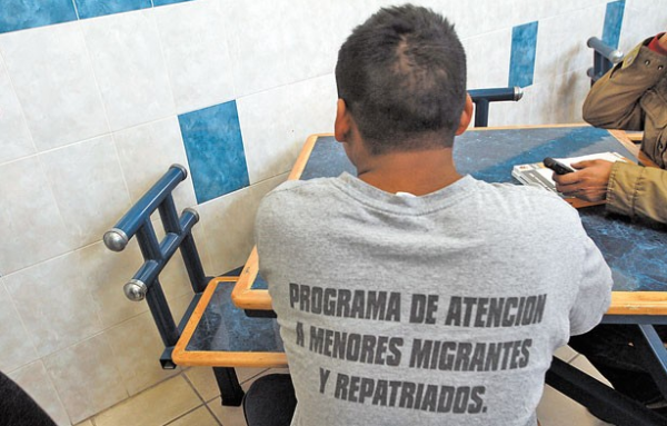 Lucio Soria:El Diario   Pedro, sin deseos de intentar entrar otra vez a EU, espera en el albergue México Mi Hogar, volver a su natal Chiapas