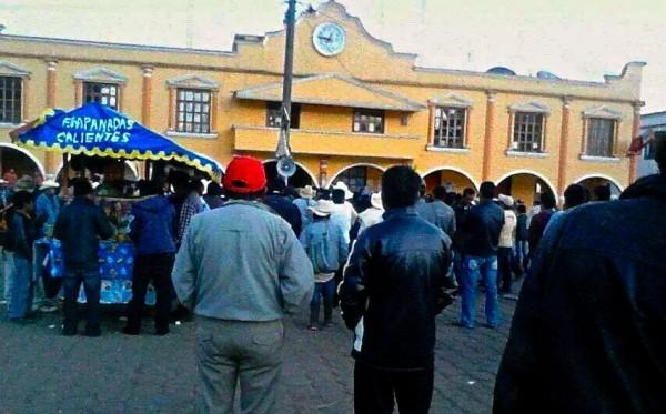 Manifestación en San Juan Chamula. Foto: Amalia Avendaño