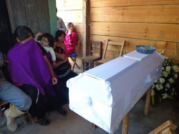 Menor de edad muerto en enfrentamiento e SCLC no pudo ser llevado a su comunidad, por temor a nuevas agresiones. Foto: Manuel Ghomez