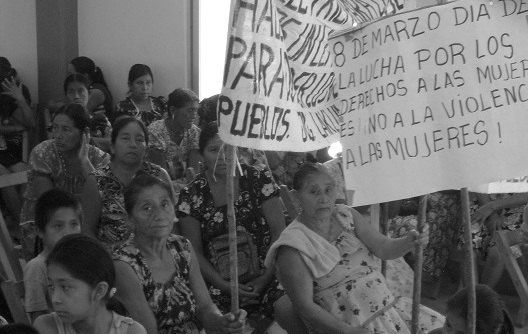 Mujeres choles marcharon el sábado 08 a en el ejido de Nueva Esperanza, municipio de Tila.