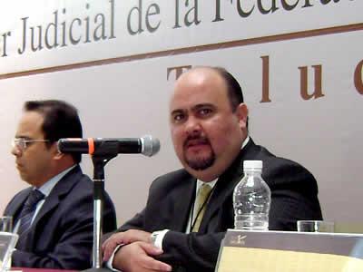 Sergio Arturo Valls Esponda es de origen chiapaneco, pero toda su vida política y profesional la ha realizado en el Estado de México, de donde fue comisionado del Instituto de Transparencia. Foto: Infoem.