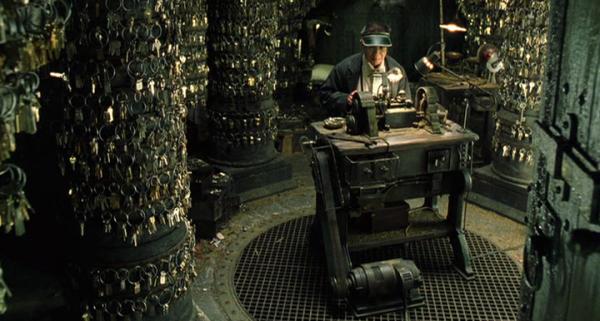 """Escena del """"cerrajero"""" de la película Matrix recargado. Derechos Reservados Warner Bros."""