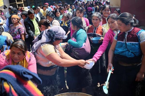 14 personas tuvieron que se sacadas de las comunidad luego del enfrentamiento, con los días un millar más abandonó el lugar. Foto: Elizabeth Ruiz