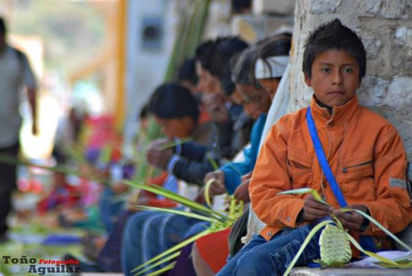 Artesanos de la fe... Foto: Toño Aguilar