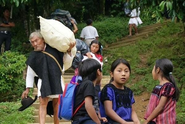 Retornan 17 familias indígenas desplazadas al poblado de Puebla, municipio de Chenalhó.  Foto: Frayba