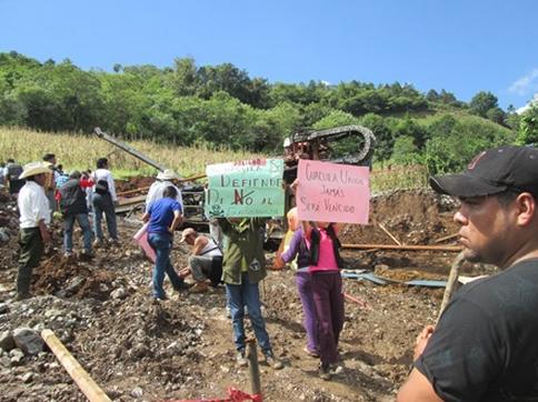 Denuncian amenazas para que desistan de apoyar a los pueblos que se oponen a la ejecución de proyectos extractivos. Foto: Radio Expresión