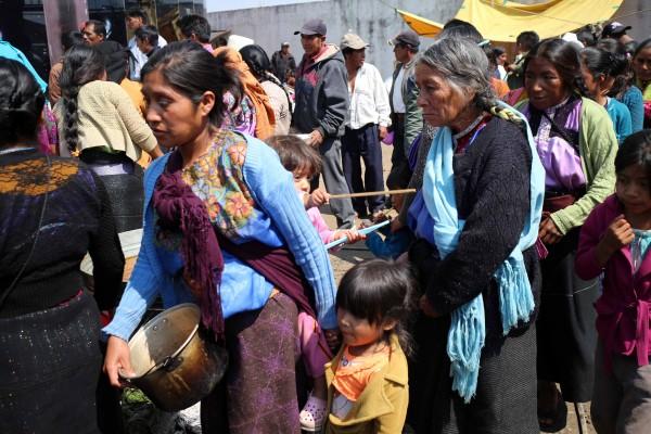 Cientos de personas de San Antonio de Monte permanecen desplazadas, en espera de que se desarme al grupo que las expulsó, y se creen condiciones para su retorno. Foto: Elizabeth Ruiz