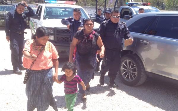 """De acuerdo a la denuncia, la mujer de Guatemala reconoció haber """"vendido"""" a otro de sus hijos. Foto: Fredy Martin Pérez"""