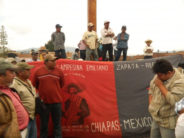 OCEZ levanta plantón, luego que gobierno de Chiapas se comprometió a dialogar con los campesinos. Foto: Amalia Avendaño