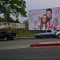 Políticos utilizan a su familia para promocionar su imagen.