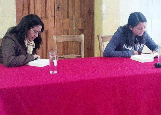 """Durante una jornada, ciudadanos/as leyeron de manera continua """"Cien Años de Soledad"""". Foto: Amalia Avendaño"""