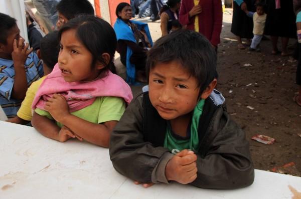Unas 300 niñas y niños desplazados por la violencia en San Antonio del Monte, San Cristobal, piden condiciones para regresar a su comunidad. Foto: Elizabeth Ruiz