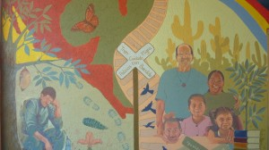 Saul Kak ha plasmado murales en albergues de migrantes como éste en el albergue del Padre Alejandro Solalinde en Ixtepec, Oaxaca.