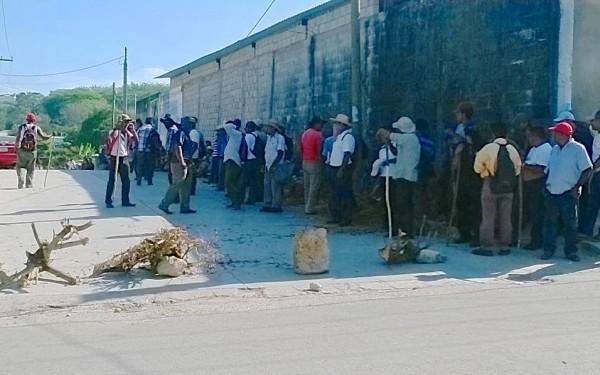 Indígenas choles de Tumbalá toman alcaldía. Foto: Chiapas PARALELO