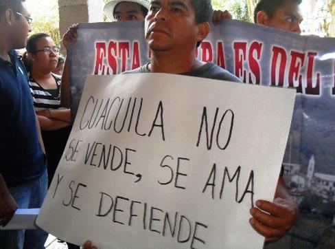 """""""Que defienda los derechos de nuestro pueblo de Cuacuila"""". Foto: Radioo Expresión"""