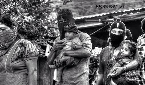 Encapuchados bases de apoyo del EZLN. Foto: Elizabeth Ruiz.