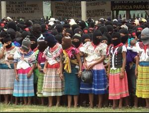 Mujeres indígenas zapatistas tseltales bases de apoyo del EZLN en el evento para los honores de Galeano, zapatista asesinado el pasado 02 de mayo. Foto: Radio Pozol/LaIndiaGuane