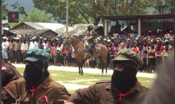 Reapareció montado en su caballo el Subcomandante Marcos del EZLN. Foto: Radio Pozol