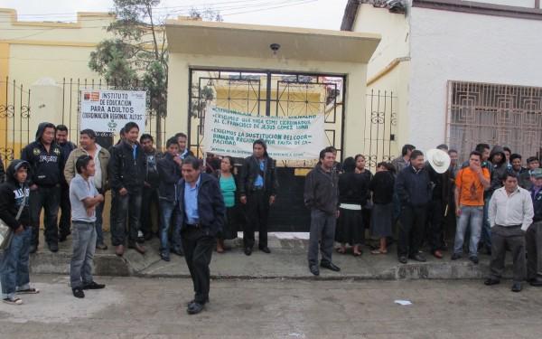 A trabajadores del IEA deben salarios desde hace 7 meses. Foto: Amalia Avendaño