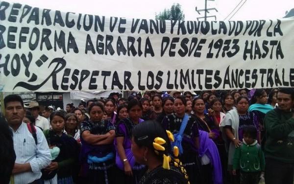 Marcha para exigir solución a la disputa de tierras entre Chenalhó y Chalchiuitán. Foto: ARCHIVO