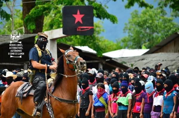 Subcomandante Insurgente Marcos, ahora Galeano. Foto: Medios Libres