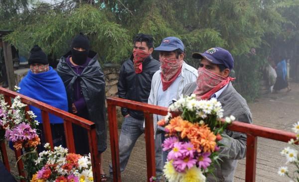 Para honrar y despedir como se debe al compa Galeano el EZLN ha suspendido las actividades programadas para Mayo-Junio. Foto: Archivo/Elizabeth Ruiz