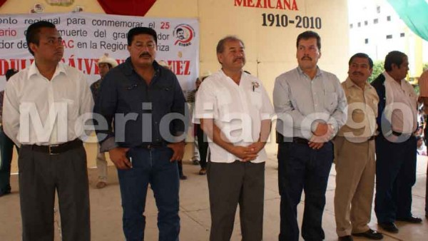 Fernando Ovalle Vaquera con los líderes de la CIOAC en Chiapas. Foto: Meridiano/Chiapas PARALELO