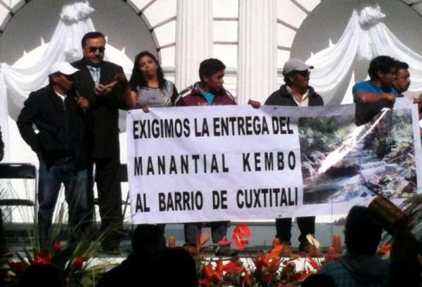 Los pobladores del Barrio Cuxtitali en la protesta que hicieron en San Cristóbal de Las Casas, para exigir se respete la reserva ecológica.