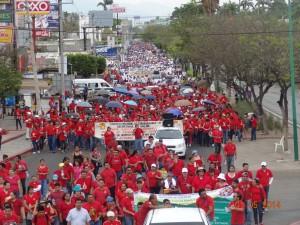 Médicos y enfermeras sindicalistas en la marcha del 1 de Mayo en Tuxtla Gutiérrez: Día del Trabajo y del Trabajador. Foto: José Luis Escobar.