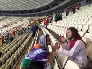 """Al subir esta foto a su red social de Facebook, López Amores escribió: """"Me dijo Dios que todavía no me va a llevar y me dijo que siga echando el desma aquí abajo""""."""