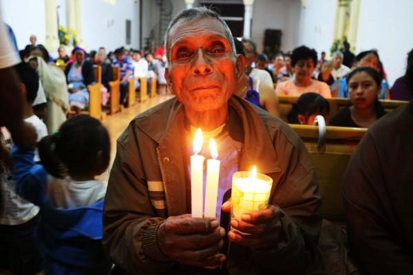 Anciano tojolabal expresa su fe. Foto: Elizabeth Ruiz