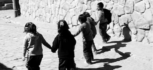 La violencia y el hostigamiento en las escuelas son una de tantas formas de violencia social y de género que encontramos a diario; no hay país civilizado que a estas alturas del partido esté intentando abatir la violencia con violencia, con amenazas y castigos. Foto: Cimac