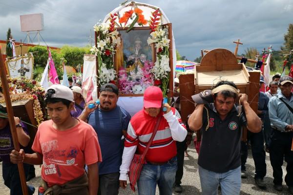 Durante el año visitan cinco Iglesias en Chiapas y Guatemala. Foto: Elizabeth Ruiz