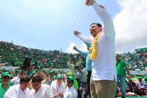Durante su toma de protesta como dirigente estatal del PVEM. Foto: FB de Fernando Castellanos