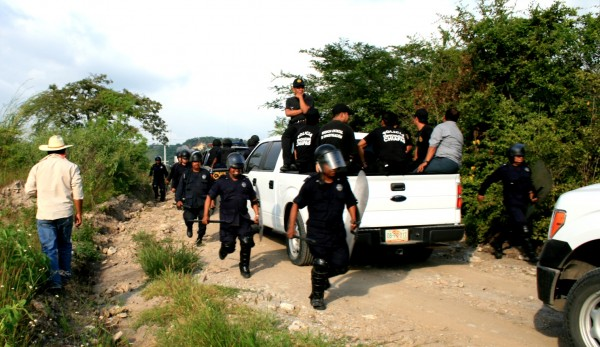 Despliegue policiaco y militar en Jitotol para capturar a activista a finales de junio pasado.