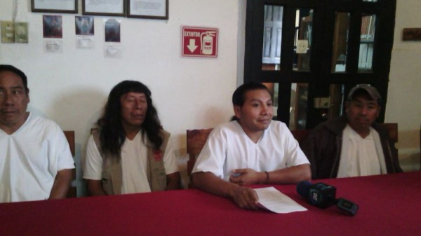 Lacandondes en conferencia en Na Bolom. Foto: Amalia Avendaño
