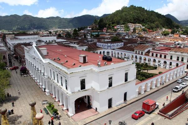 Palacio Municipal de San Cristóbal, visto desde el techo de la Catedral de la Paz. Foto: Elizabeth Ruiz